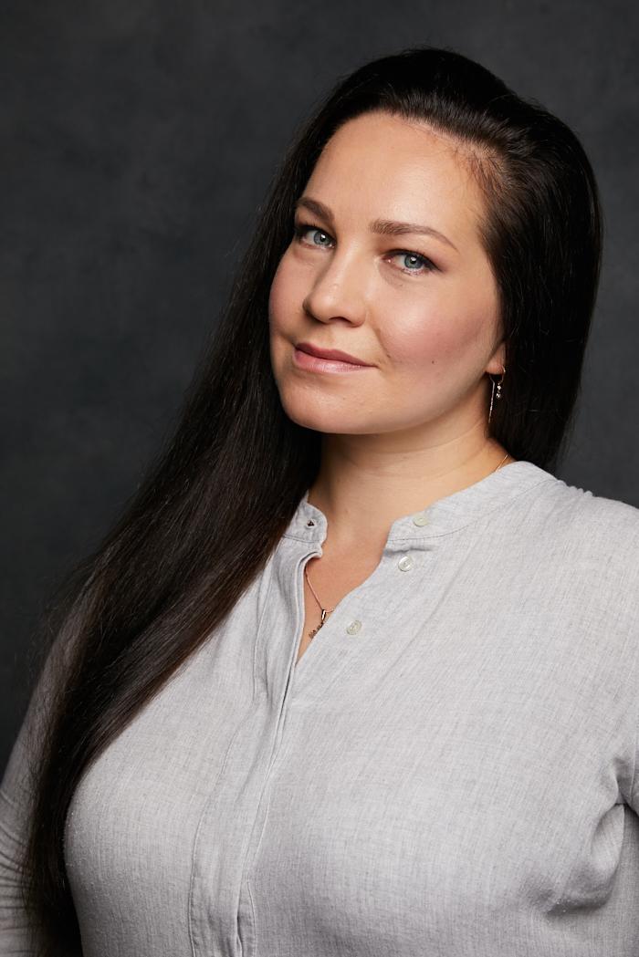 Ксения Дудникова: «Мой голос — это я» / R-Flight (бортовой журнал авиакомпании «Россия»)